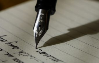 Vælg en god tekstforfatter